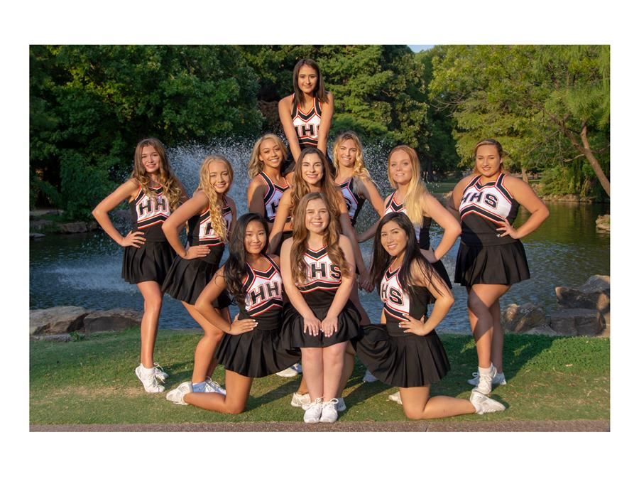 Varsity Cheer Group Photo