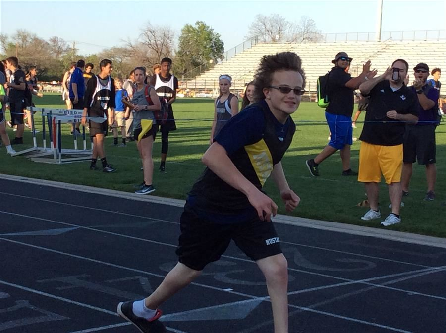North Oaks track runner